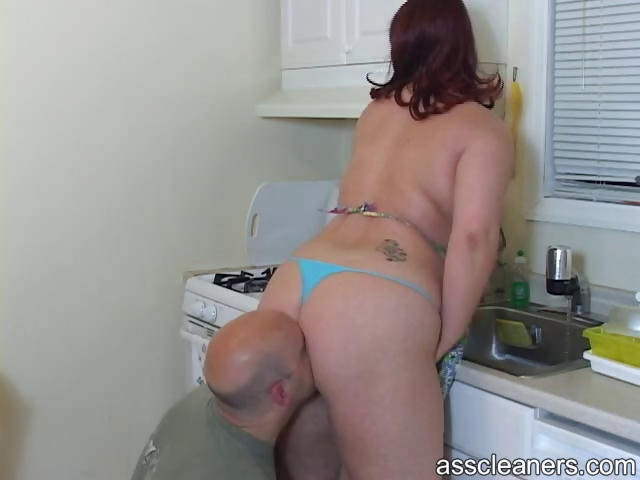 husband licks her wife`s large plump booty as his
