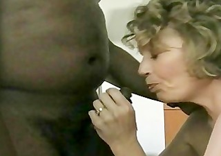 a naught whore can creampie from a black lad